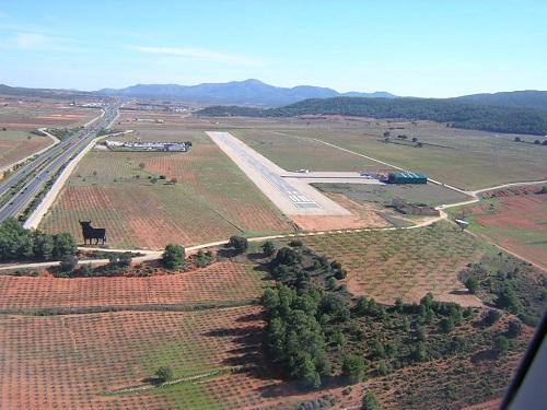 Resultado de imagen de  aeródromos privados españoles