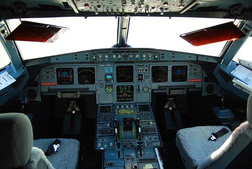 Vuelo a dubl n aviaci n comercial art 2 asoc for Cabina principale delta